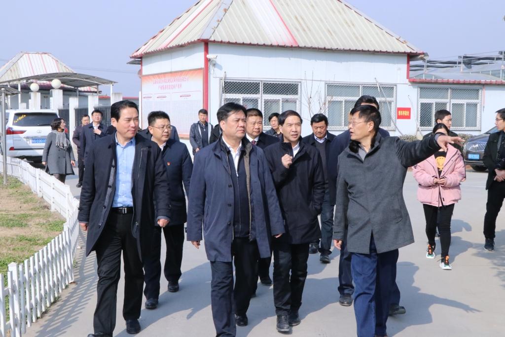 民盟中央副主席、副省长张道宏